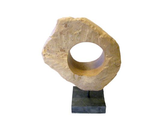 Nr. 6 H: 33 cm inkl. sokkel B: 25 cm
